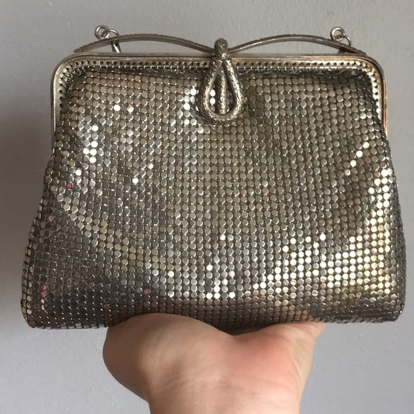 Vintage Handbags - VTG Silver Mesh Roaring 20s Flapper Purse